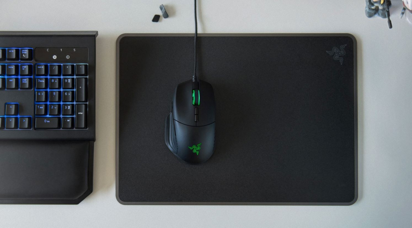 547187eebc4 The Razer Basilisk comes with a dial that lets you tweak the resistance of  the scroll wheel. With your personalized sensitivity, you will be able to  more ...