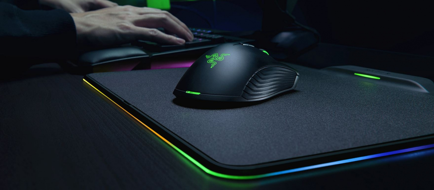 67a30ebd165 ... proprietary Adaptive Frequency Technology* for unparalleled wireless  signal stability, the Razer Mamba HyperFlux allows for swift and exact mouse  ...