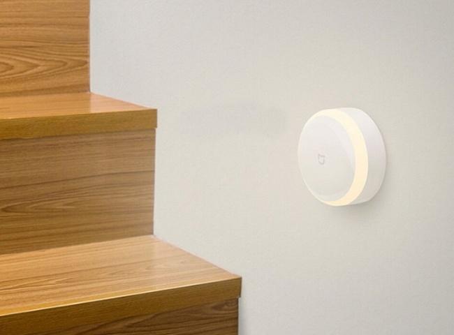 Buy the Xiaomi Mi Home Smart LED Desk Lamp Flicker-free, Colour